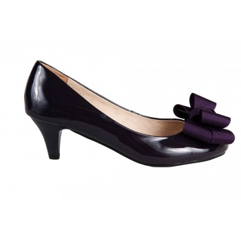 Patent mid heel pumps with bow detail