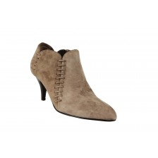 LEATHER POINT TOE ANKLE BOOTS