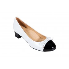 LEATHER ROUND TOE BLOCK HEEL PUMP