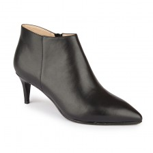 Point toe 65 leather ankle boots