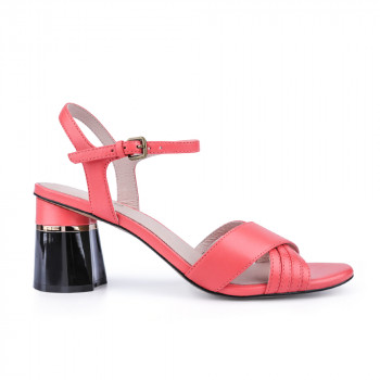 """SAVANA"" CROSS FRONT STRAPS CHUNKY HEEL SANDALS"